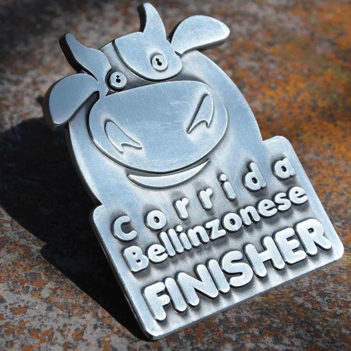 Médaille finisher de Corrida Bellinzonese - alliage découpé à la forme d'un taureau