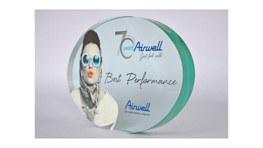 Trophée gravé personnalisé pour les 70 ans d'Airwell